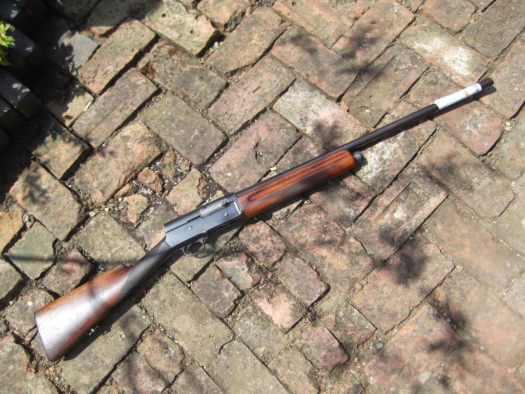 Browning, Auto 5 section 2 Shotgun , 12 gauge, Semi-Automatic, Right