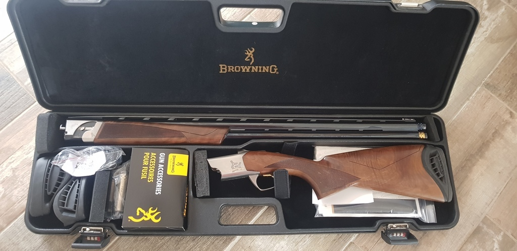 Browning, Cynergy sporting, 12 gauge, Over and Under, Right